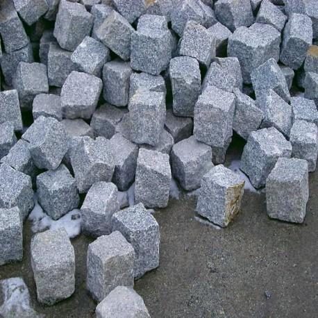 Granit Pflaster Griys hellgrau gespalten Größe 15 x 17 cm