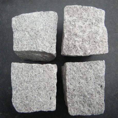 Granit Blockstufen hellgrau 15 x 45 cm 120 cm lang