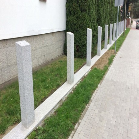 Granit Pfosten Griys Hellgrau 25 x 25 cm 300 cm lang