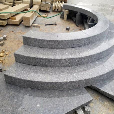 Granit Blockstufen Alvaro Anthrazit 100 cm lang 18 x 35 cm geflammt