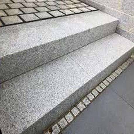 Granit-Blockstufen Tiago Hellgelb 100 cm lang 18x45 cm gestrahlt