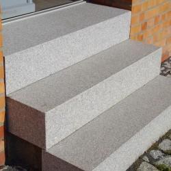 Granit-Blockstufen Tiago Hellgelb 80 cm lang 18x45 cm gestrahlt