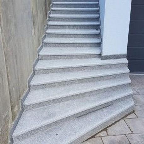 BasaltMauersteine Schwarz 20-25 cm hoch palettiert gespalten