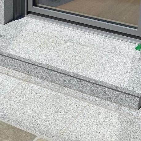 Granit Mauersteine Hellgrau 20 cm hoch