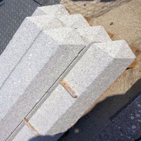 Granit Palisaden Laahs Rot 8 x 20 cm geflammt