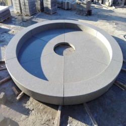 Granit Stadtbrunnen Raquel Blaugrau geflammt zum Sitzen